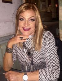 Alana Dee